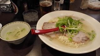 揚子江スコスコラーメンで有名な揚子江ラーメン(梅田)に食べにいってきた