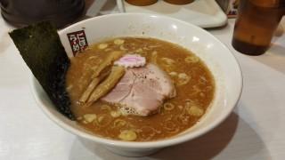 玉五郎ラーメン(梅田)で煮干しラーメンを食す