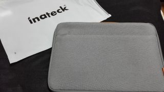 Inateck 15.4インチ インナーケースを購入、Macbookpro(2015)は入るのか?!